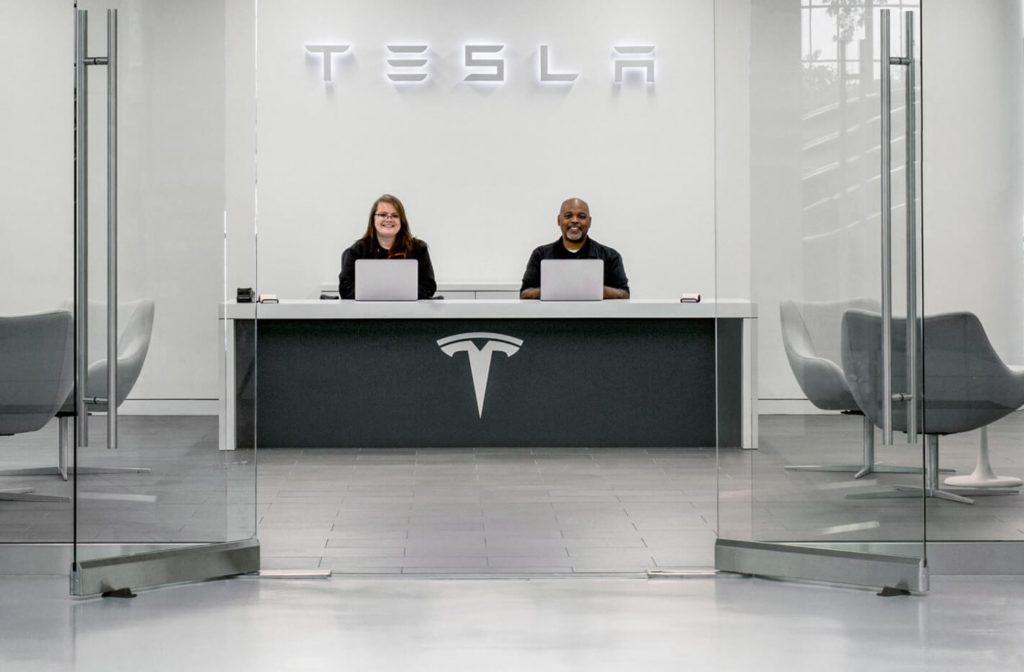 Service A Tesla